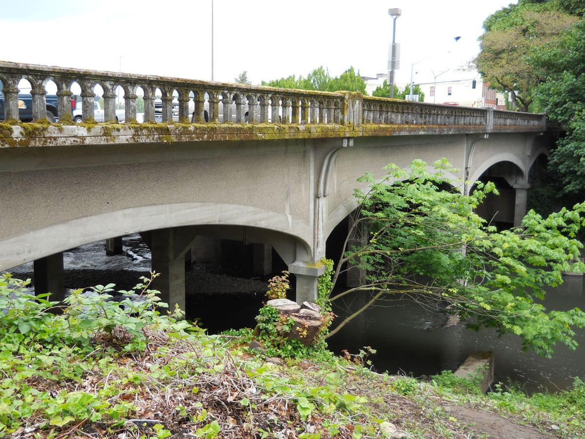 Commercial Street Bridge (at Pringle Creek)